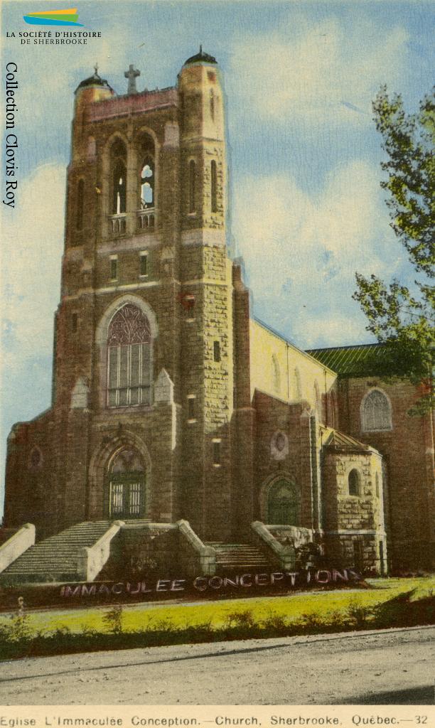 L'église Immaculée-Conception vue de la rue LaRocque, vers 1940. L'église est au cœur d'une partie du quartier ouest où sont construites, à partir de 1908, plusieurs dizaines de maisons devant abriter des familles ouvrières.