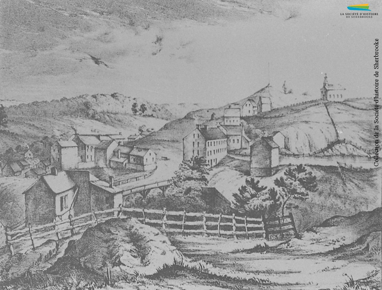 Un dessin de Sherbrooke réalisé par l'arpenteur Joseph Bouchette en 1836. Le village prend de l'expansion depuis qu'il a été nommé chef-lieu du district judiciaire de Saint-François (le premier palais de justice, situé là où se trouve aujourd'hui le palais de justice, est visible au centre), et attire des artisans et des cultivateurs originaires des États-Unis et de Grande-Bretagne.